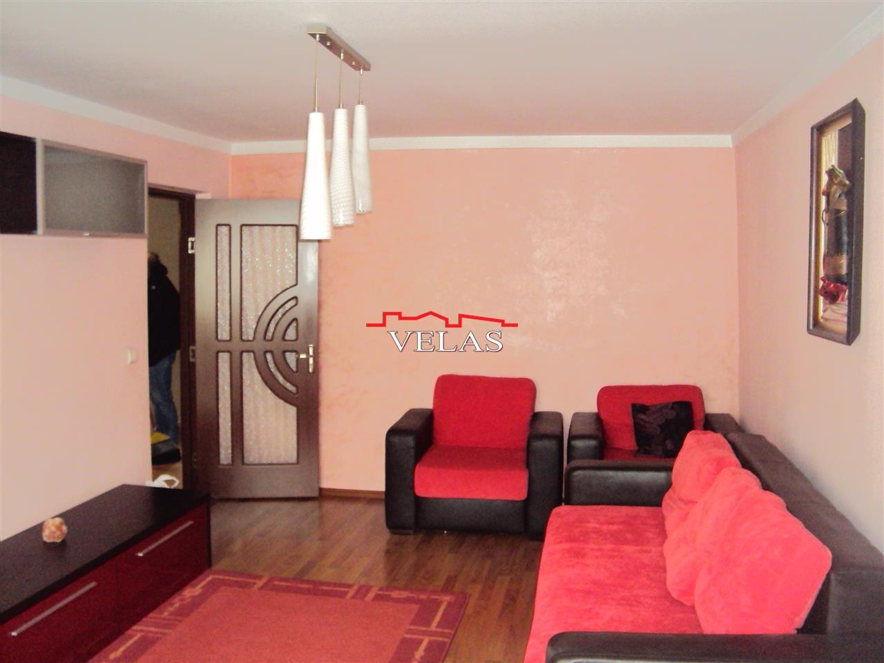 Apartament 3 camere, et. 3, CT, mobilat si utilat