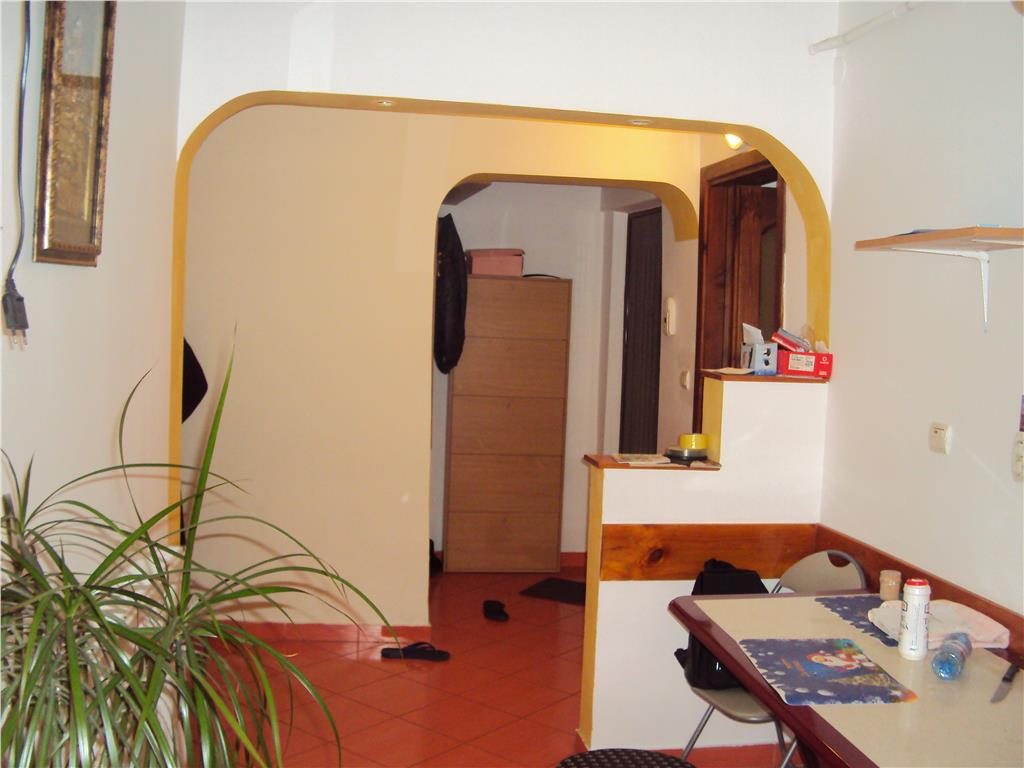 Apartament 2 camere, et.3,CT, mobilat, Plevnei