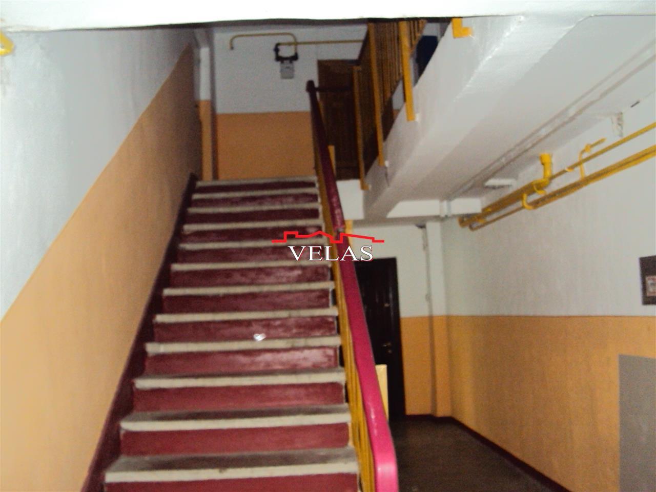 Apartament 2 camere, parter stradal, mobilat si utilat, str Razboieni