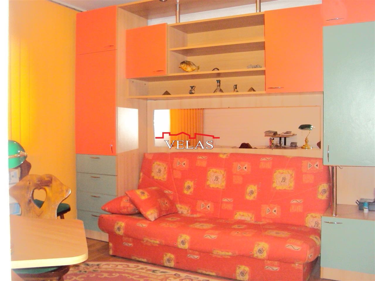 Apartament 4 camere, parter, cu extindere,  s.t. 106 mp
