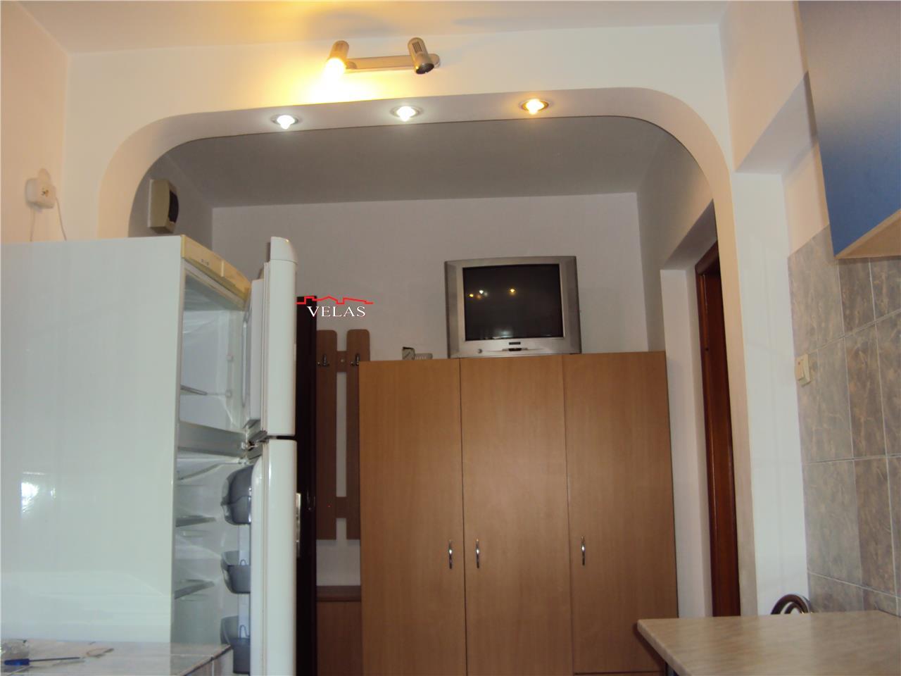 Apartament 2 camere, et 3, Gara, CT, mobilat si utilat