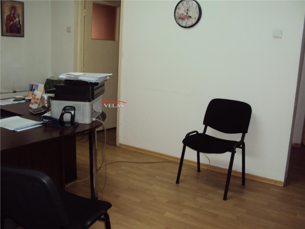 Apartament 3 camere, 41 mp, parter, zona Piata-Sud