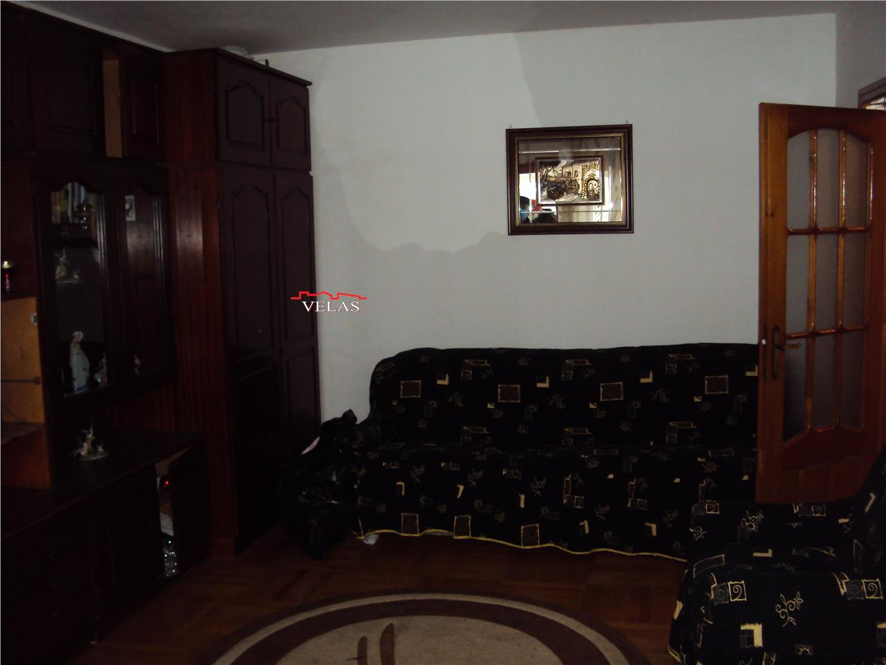Apartament 2 camere, et 3, CT, liber, Longinescu