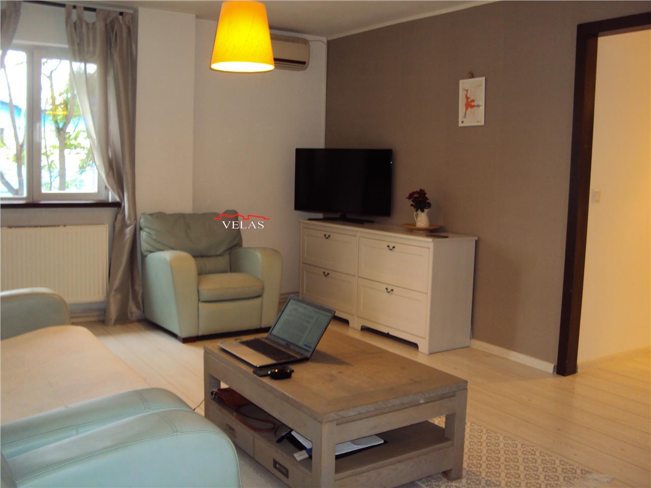 Apartament 3 camere, et 1, CT, mobilat , Bdul Bucuresti