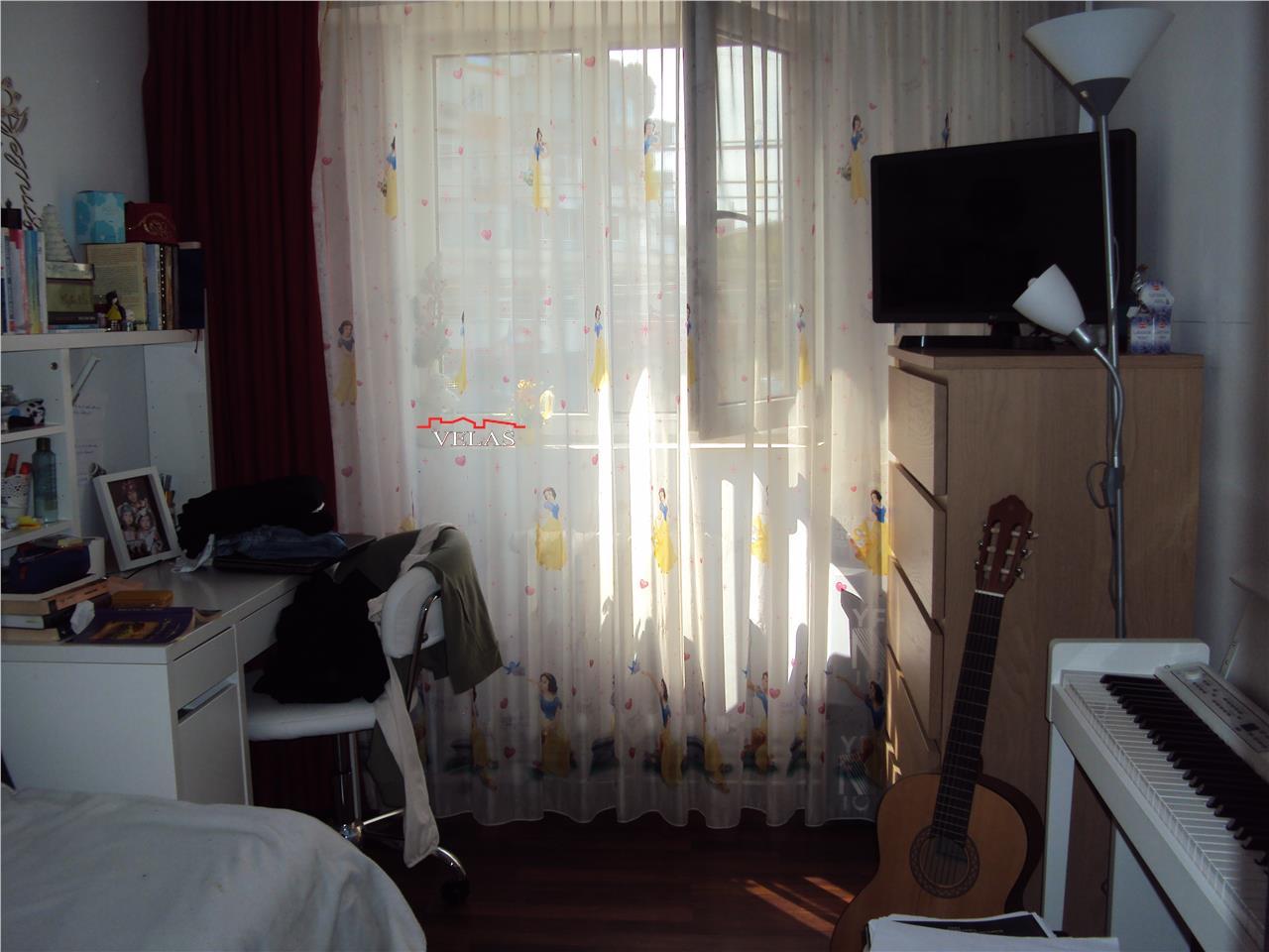 Apartament 3 camere,et 1,bdul Brailei, CT, loc parcare