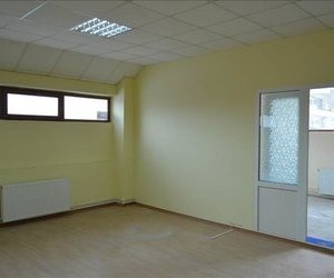 Inchiriez birouri recent renovate, zona centrala