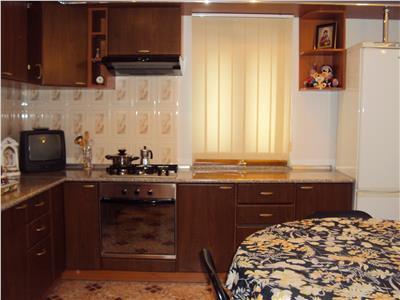 Apartament 3 camere, et. 1, Panciu