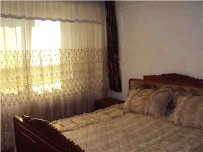 Inchiriez apartament 2 camere, et 3, mobilat si utilat, centru