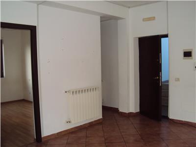 Apartament 3 camere et. 1, CT, zona fosta autogara