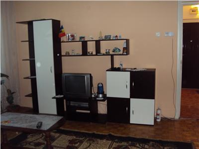 Inchiriez apartament 2 camere, semidecomandat, CT, mobilata si utilat