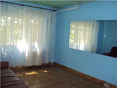 Apartament 2 camere, parter, str. Longinescu