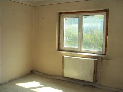 Apartament 4 camere, et. 2, CT, str. Campului
