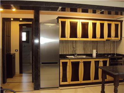 Inchiriez apartament de lux, 3 camere, bloc nou,  Str. Trotus