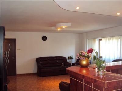 Inchiriez apartament 2 camere, et1, Piata Moldovei