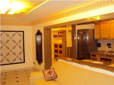 Inchiriez apartament de LUX, 3 camere, et 3, CT, mobilat