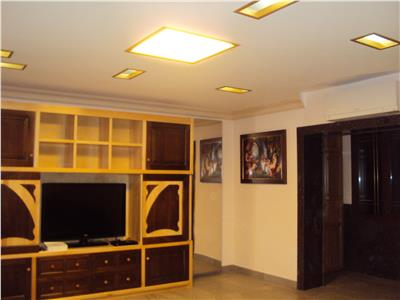 Inchiriez apartament 3 camere, et 1, mobilat si utilat de lux