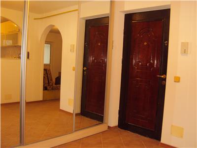 Apartament 4 camere et 1, CT, doua bai, doua balcoane, PoliclinicaII