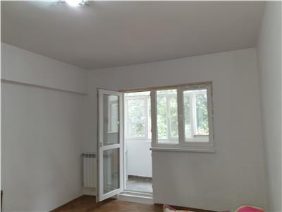 Inchiriez apartament 2 camere, et 2, CT, nemobilat ,  central