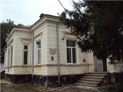 Casa Odobesti su=250 mp, fost dispensar uman, teren 1130 mp