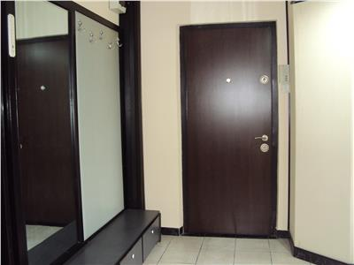 Inchiriez apartament 3 camere, et 2, Ct, mobilat si utilat, Longinescu