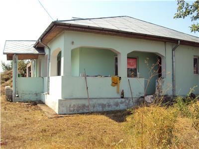 Casa de vanzare sau schimb cu apartament, Virtescoiu, teren 2060 mp