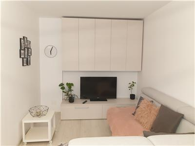 Inchiriez apartament 2 camere, et 3, Sala Palatului